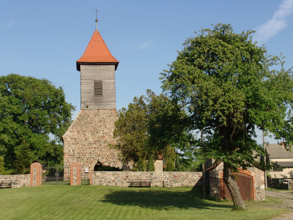 Feldsteinkirche Hasenholz